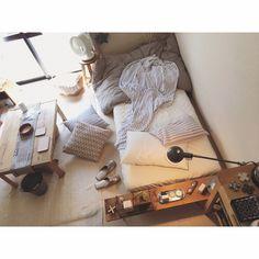 minami_09さんの、足場板,デスクライト,ナチュラルインテリア,ナチュラル,ニトリ,ベッド,賃貸,暮らし,暮らしを楽しむ,無印良品,アロマ,寝室,simple,ヴィンテージ,照明,一人暮らし,シンプル,インダストリアル,クッション,WOODPRO,ベッド周り,のお部屋写真