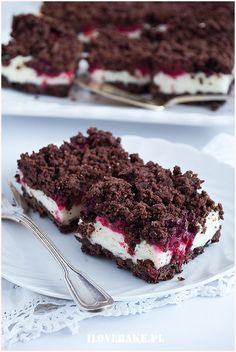 kruche-z-budyniową-pianką Sweet Desserts, Sweet Recipes, Delicious Desserts, Yummy Food, Baking Recipes, Cake Recipes, Dessert Recipes, Catering Food, Sweet Cakes