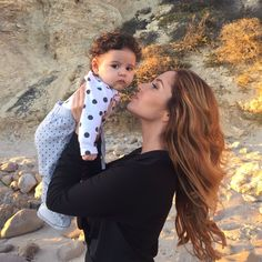 Catherine and little Elle Catherine Paiz, Cute Family, Family Goals, The Ace Family Catherine, Austin And Catherine, The Ace Family Youtube, Ace Family Wallpaper, Famous Youtubers, Family Outfits