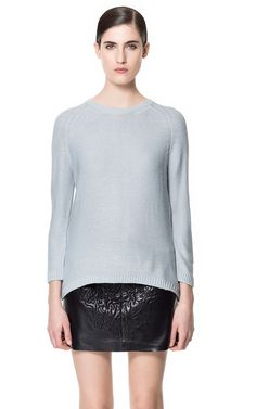 Sweater with Zip at the Back £16