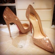 Shopping - Shoes - Louboutin - Pumps on Pinterest | Christian ...