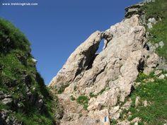 Moldoveanu Peak > < Hiking and caving photos Mountaineering, Trekking, Backpacking, Mount Rushmore, Dragons, Photographs, Universe, Hiking, Window