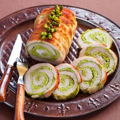 Turkey Breast, Fresh Rolls, Avocado Toast, Carne, Food And Drink, Chicken, Breakfast, Ethnic Recipes, Kitchen