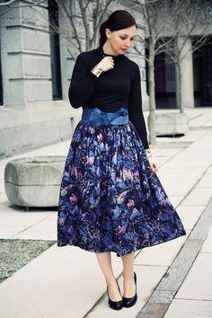 vintage skirt & simple black accesories