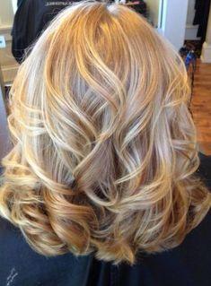 59 Ideas For Wedding Hairstyles Medium Length Curls Blondes - Weddinghairstyles Medium Hair Styles, Curly Hair Styles, Hair Medium, Soft Curls For Medium Hair, Curled Hairstyles For Medium Hair, Medium Cut, Medium Layered, Long Layered, Medium Length Curls