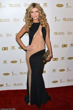 Joanna Krupa's Sheer Dress Might Be The Most Risqué Garment We've Ever Seen On The Red Carpet