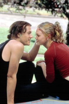 The best rom coms of all time, from The Holiday to Love Actually. How many of these have you seen? The best rom coms of all time, from It's Complicated to Love Actually. How many of these romantic movies have you seen? 90s Movies, Iconic Movies, Movies To Watch, Good Movies, Movie Tv, Love Movie, Julia Stiles, Love Actually, Movie Couples