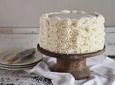 Frilly Cake Decorating Tutorial tip) - I Am Baker Cake Decorating Techniques, Cake Decorating Tutorials, Cookie Decorating, Decorating Ideas, Pretty Cakes, Beautiful Cakes, Amazing Cakes, Cake Icing, Eat Cake