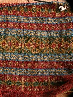 Fair Isle Knitting Patterns, Christmas Knitting Patterns, Fair Isle Pattern, Knitting Stitches, Knit Patterns, Baby Knitting, Fair Isles, Pattern Library, Knit Crochet