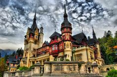 PELES CASTLE, ROMANIA   Real WoWz