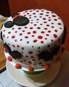 #minnie #regalo #pasion Minnie, Cake, Instagram Posts, Desserts, Food, Gift, Tailgate Desserts, Deserts, Kuchen