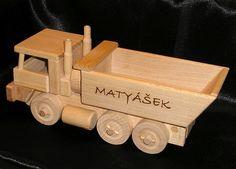 Tatra, nákladní auto hračka s věnováním na přání.
