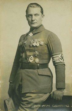 A young Hermann Goering in the early days of the Third Reich. / Eine junge Hermann Göring in den frühen Tagen des Dritten Reiches.