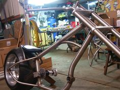 HANNAN CUSTOMS: Hannan Chopper coming to life Gas Powered Bicycle, Lowrider Bike, Chopper Bike, Fat Bike, Go Kart, Custom Bikes, Cars And Motorcycles, Easy Diy, Choppers