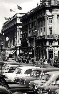 O'Connnell Street c1960 | MajorCalloway | Flickr Old Pictures, Old Photos, Dublin City, Old City, Manchester, Ireland, Past, Street View, Explore