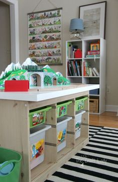 Use photo labels to help kids know where to put away toys - How to get kids to help put away toys, start good habits early Home Office Organization, Toy Organization, Organizing Your Home, Home Management, Do It Yourself Projects, Nursery Inspiration, Help Kids, Home Goods, Toys