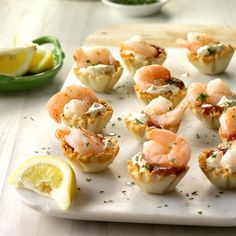 Appetizers For A Crowd, Seafood Appetizers, Appetizer Recipes, Appetizer Dinner, Italian Appetizers, Mini Tart Shells, Sauce Cocktail, Phyllo Cups, Shrimp Recipes Easy