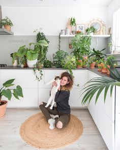 Green ikea kitchen. I love plants . And my cat loves it too @keeelly91. Www.keeelly91blog.eu