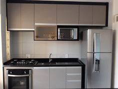 La imagen puede contener: cocina e interior Kitchen Room Design, Kitchen Cabinet Design, Kitchen Sets, Home Decor Kitchen, Interior Design Kitchen, Kitchen Furniture, Home Kitchens, Hobby Design, Modern Kitchen Interiors