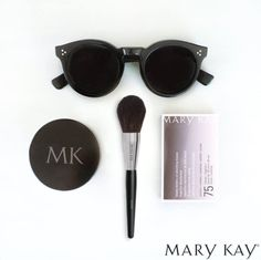 From rejuvenating spa parties to fun makeup and trend parties, the type of Mary Kay party you have is up to you Mary Kay España, Mary Kay Party, Mascara, Eyeliner, Eyeshadow, Facial, Satin Hands, Mary Kay Cosmetics, Translucent Powder