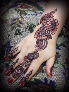 Laraib's mehndi design Alphabet Images, Festival Image, Simple Mehndi Designs, Birthday Images, Mehendi, Mobile Wallpaper, Cute Wallpapers, Henna, Tattoos