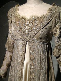 Detail- regency dress, 1800-1815