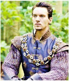 "Jonathan Rhys Meyers as Henry VIII - ""The Tudors"" - Costume designer : Joan Bergin Henri Viii, Narnia, Moda Medieval, Medieval Armor, Tudor Series, Enrique Viii, Los Tudor, Renaissance Men, Renaissance Clothing"