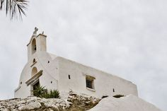 Churches in Ios island A photographic tour of the cycladic aesthetic Days Of The Year, Greek Islands, Mykonos, Night Skies, Mount Rushmore, Greece, Ios, Mountains, Country