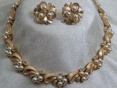 Crown Trifari Faux Pearl Rhinestone Necklace Earring Goldtone Demi Set  #Trifari