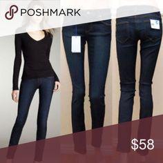 •Paige• Paige skyline skinny jeans,80% cotton, 19% poly & 3% elastase. Very soft denim, size 26 Paige Jeans Jeans Skinny