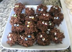"""What a cute idea: Put little """"eye ball"""" candies onto almost any homemade treat to Halloween-ize it for kids or a party! #fall #foodiefiles   Pin it to Save it!"""
