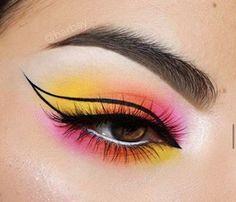 Discover the dreamiest pastel makeup looks you can recreate this season. Makeup Eye Looks, Eye Makeup Art, Colorful Eye Makeup, Beautiful Eye Makeup, Crazy Makeup, Cute Makeup, Skin Makeup, Eyeshadow Makeup, Pastel Makeup