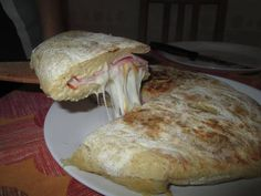 Sonkás sajtos krumplilepény Bread, Cheese, Chicken, Cooking, Breakfast, Food, Kitchen, Morning Coffee, Brot