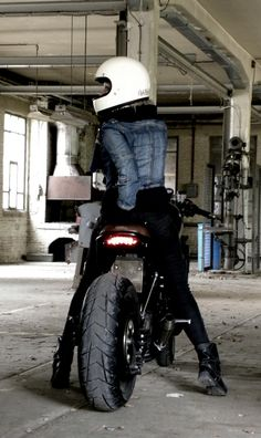 The Cosmic Nozems Motorshow Trailer-shoot !  Unhealthy dosis of two wheeled fun.
