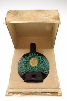 Black Perfume, Antique Perfume Bottles, Vases, Best Perfume, Perfume Collection, Fragrance, Container, Beauty Box, Perfume Bottles