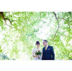 Under the trees @johannarosengren.se #weddingday #justmarried #love #dress #bride #groom