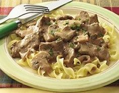 Weight Watchers Recipes, Beef Stroganoff Adapted For The Weight Watchers Diet Plan. Free Weight Watchers Recipe For Beef Stroganoff And Only 7 SmartPoints Per Serving. Points Plus Recipes, Ww Recipes, Light Recipes, Chicken Recipes, Cooking Recipes, Healthy Recipes, Skinny Recipes, Lunch Recipes, Dinner Recipes