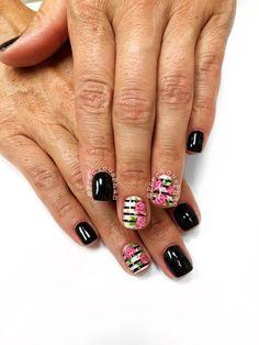 Floral nails. Stripes. Roses. #PreciousPhan Neutral Nail Color, Nail Colors, Nice Nails, Fun Nails, Mani Pedi, Pedicure, Shellac Nails, Nail Polish, Striped Nails