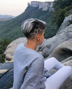 Undercut Hairstyles, Party Hairstyles, Cool Hairstyles, Girls Shaved Hairstyles, Undercut Pixie, Hairstyle Ideas, Haare Tattoo Designs, Round Face Men, Women Haircuts Long