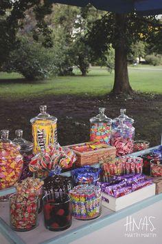 Birthday Party For Teens, Sweet 16 Birthday, 16th Birthday, Birthday Party Decorations, Wedding Candy Table, Candy Bar Party, Wedding Desserts, Birthday Candy Bar, Bar A Bonbon