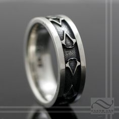 Quite like the simplicity of this solid silver Assassin's Creed ring :) From Earth Art Gem and Jewelry