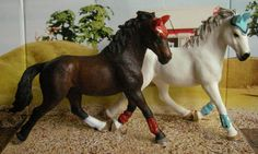 My boyfriend gave me a few schleich horses just to please me :P I already owned this model so I repainted it. It now is my new favourite ^_^
