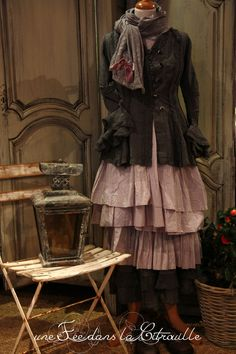 I've been seeing a lot of this type of style, and part of my brain associates it with Steampunk, even though it doesn't have the gears and bustles and goggles. Old Fashion Dresses, Mori Fashion, Fashion Outfits, Mode Alternative, Alternative Fashion, Shabby Chic, Boho Chic, Mode Boho, Linens And Lace