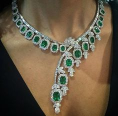 Unusal Emerald and Diamonds collar