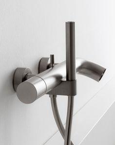 POP - Wash basin taps from Rubinetterie Zazzeri Classic Home Decor, Classic House, Fall Home Decor, Unique Home Decor, Cheap Home Decor, Luxury Homes Interior, Interior Design, Bath Taps, Home Decor Online