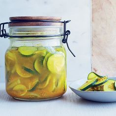 Turmeric and Apple Cider Vinegar   Turmeric is known for having anti-inflammatory properties. Try it with apple cider vinegar for these super-easy, sweet and tangy pickles.