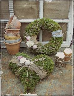 Love French Bulldogs - Home Page Christmas Diy, Christmas Decorations, Holiday Decor, Moss Decor, Ideas Hogar, Xmas Wreaths, Spring Projects, Funeral Flowers, Nature Decor