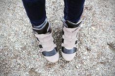 scarpe da ginnastica con la zeppa #shoes #wedges #crime www.ireneccloset.com