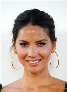 "Olivia Munn opens up about disorder: ""I rip out my eyelashes."" -- photo: Valerie Macon / AFP - Getty Images"