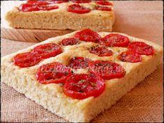 Focaccia con tomates y orégano.